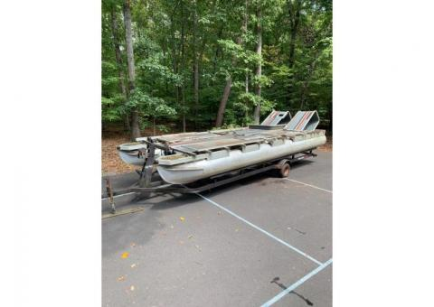 1988 Suntracker Pontoon Barge
