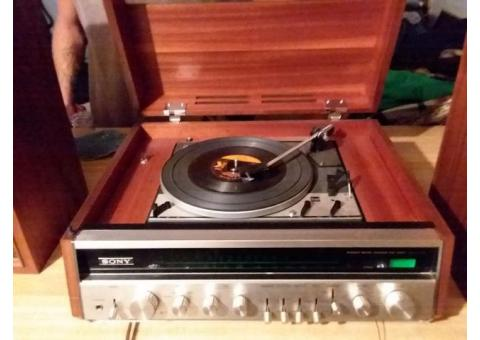 Sony 610a record player with original Sony speakers