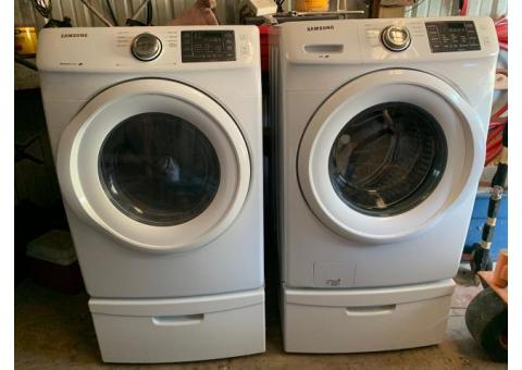 Mint Condition Samsung Washer and Gas Dryer