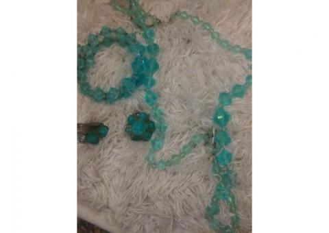 Vintage bead jewelry set