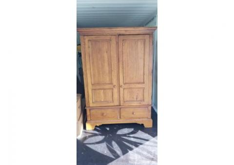TV Cabinet/Armoire