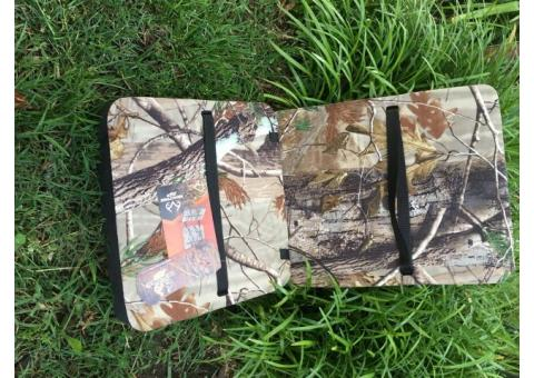 Hunting cushion for deer stand