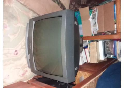 2 older tvs that still work
