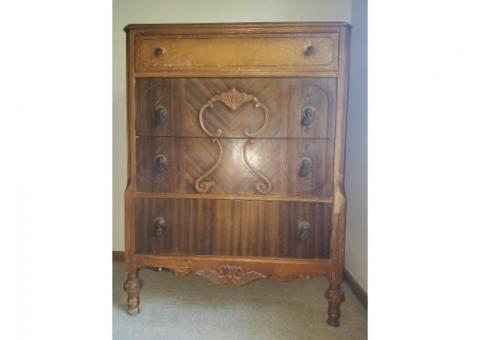 Antique Bedroom Dressers