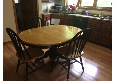 Pedestal kitchen table and 4 chairs