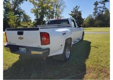 Chevy Silverado 1 Ton Dullay LTZ